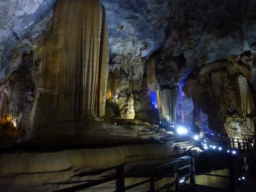 The cavern carried on for a kilometre, all filled with extraordinary geological formations, and with a further 30km of cave beyond not open to the public