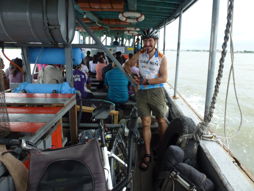 Keith and Pino on the Chao Phra Ya river crossing.