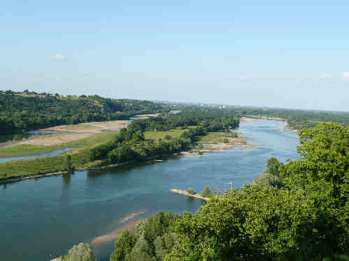 View of the Loire from Champtoceaux village.