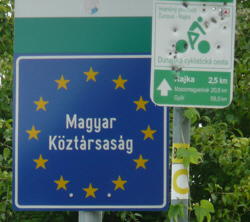 Hungarian cycle-route sign.